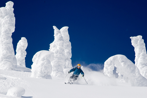 Skiing through Snow Ghosts